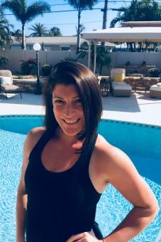 Nikki headshot.jpg